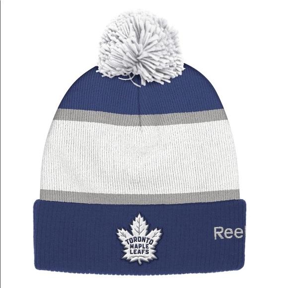 Reebok Maple Leafs Pom Pom hat